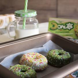 I nostri donuts appena sfornati sono incredibilmente deliziosi! Per un assaporarne ancora di più il gusto, prova a scaldarli in microonde per pochi secondi (massimo 10). Per conservarli, una volta aperti, riponili in frigo e degustali entro pochi giorni 🍩  #donutscuorenero #donuts #cuoreneroshop #donutlover #donutsofinstagram