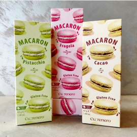 I nostri prodotti sono tutti SENZA GLUTINE, preparati con sola farina di mandorle, zucchero e albumi d'uovo. Grazie per averci scelto @bergamosenzaglutine❗  #macaroncuorenero #macarons #macaronfragola #macaronpistacchio #macaroncacao #cuorenerofficial