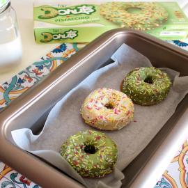È l'ora di un dessert: che ne dite di un donuts Cuorenero senza glutine? 😋  N.B. Tutti i prodotti contengono latticini e possono contenere tracce di frutta a guscio.  #donutscuorenero #glutenfree #donutlover